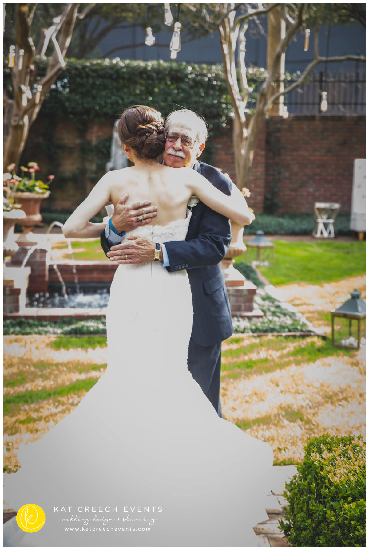 father and bride first look | wedding moments | Kat Creech Events