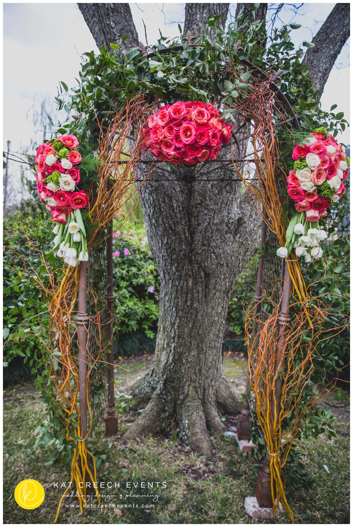 coral and ivory flowers | ceremony inspiration | manzanita arch | Kat Creech Events