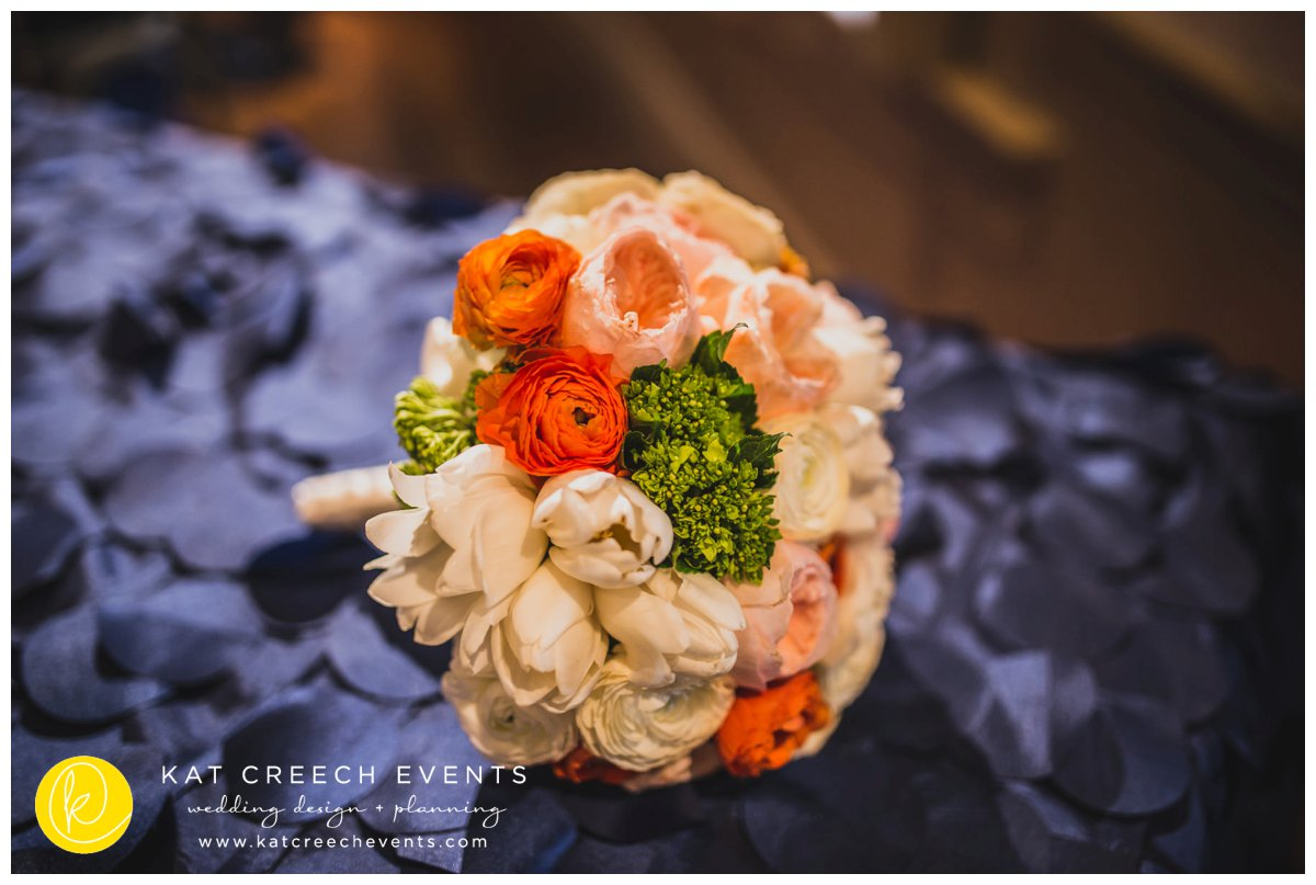 ivory and coral bouquet | wedding bouquet | peony bouquet | Kat Creech Events