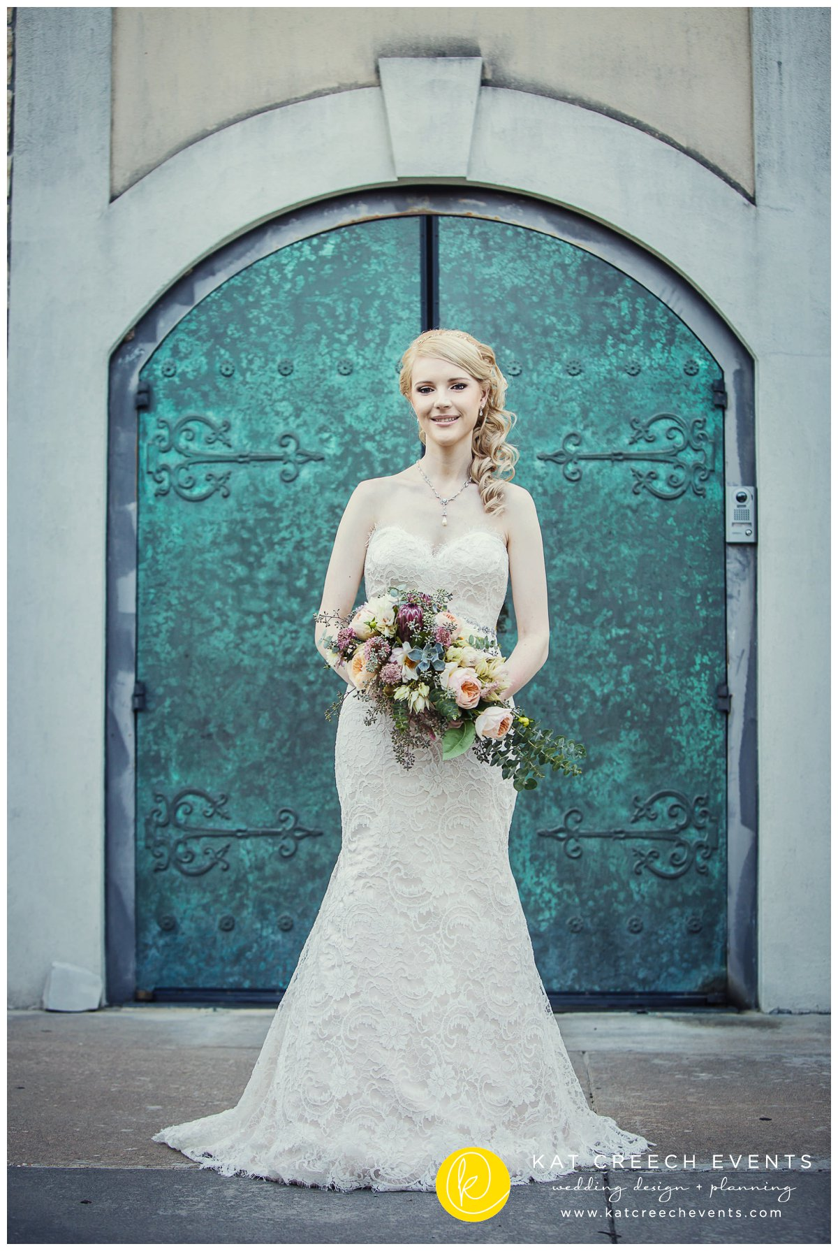 vintage door |bridal portraits