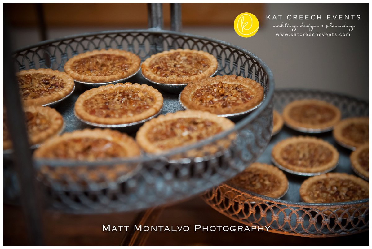 mini pies | pecan pies|texas wedding | mini desserts |kat creech events |wedding planner