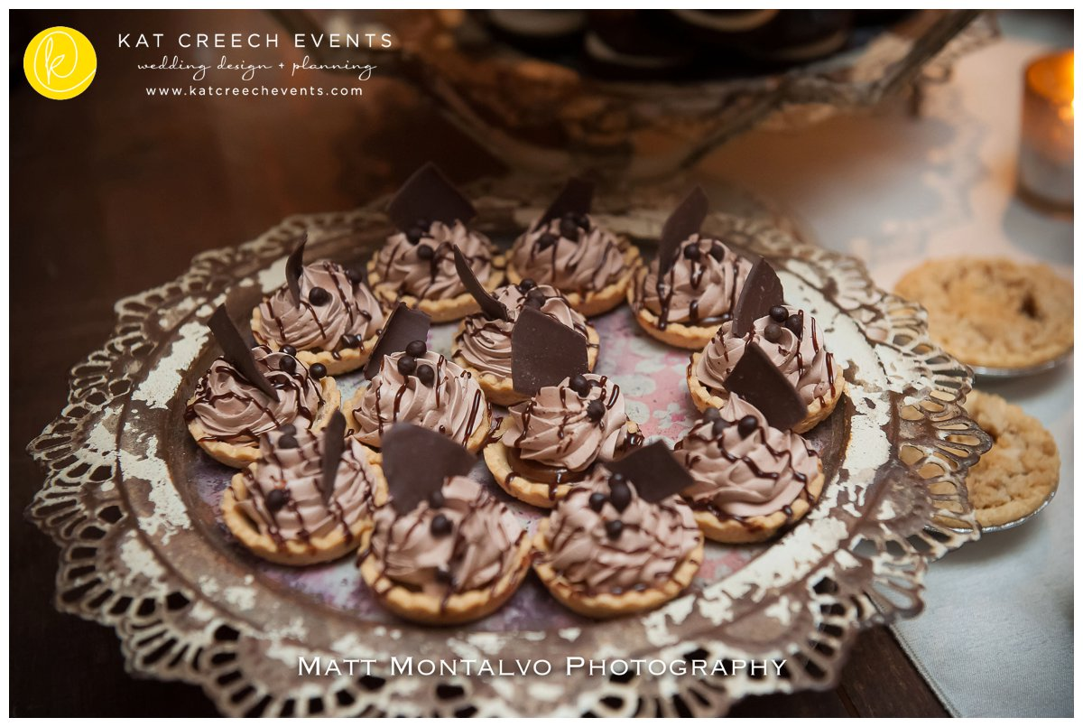 wedding dessert | mini desserts |mini pies |kat creech events | wedding planner